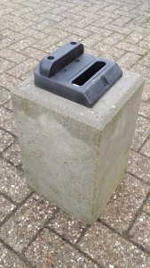 Blok met poortaanslag